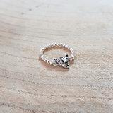 Elastische zilveren ring met panter