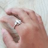 Ring van zilver met lelie_