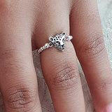 Zilveren elastische ring met panter_