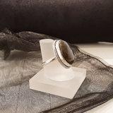 Ring van zilver met labradoriet steen