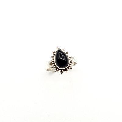 Zilveren ring met zwarte onyx