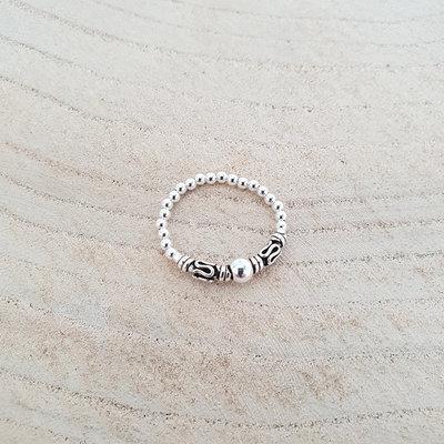 Zilveren elastische ring Bali style