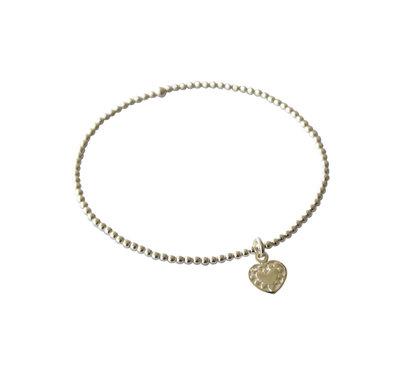 Zilveren armband van elastiek met mini hartje