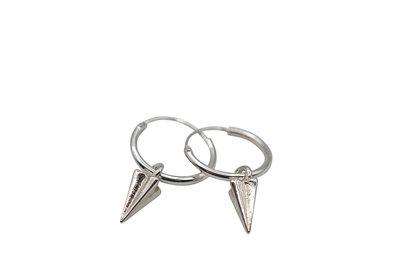 Zilveren oorringetjes met punt