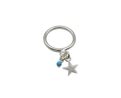 Zilveren ring met sterretje