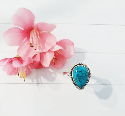 Zilveren ring met turquoise steen