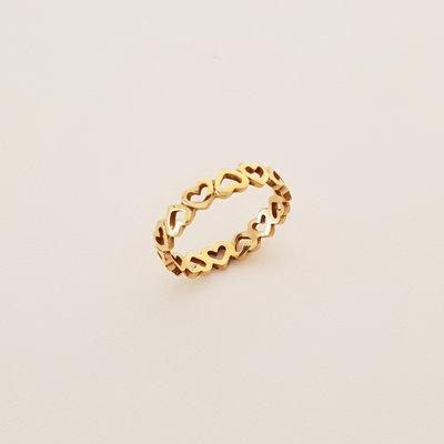 Goldplated ring met hartjes
