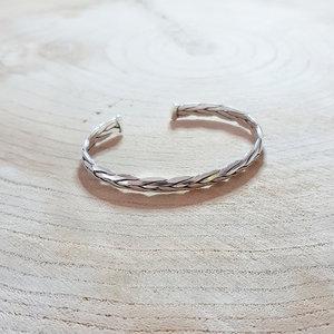 Zilveren gevlochten armband www.edenshop.nl