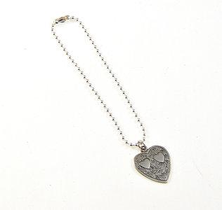 ballchain armband met hartje met hartjes erin
