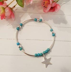 Zilveren armband met turquoise kralen en ster